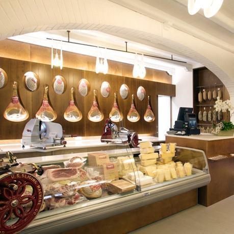 interno-store-prosciutteria-san-daniele